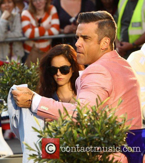 Robbie Williams and Kaya Scodelario 12