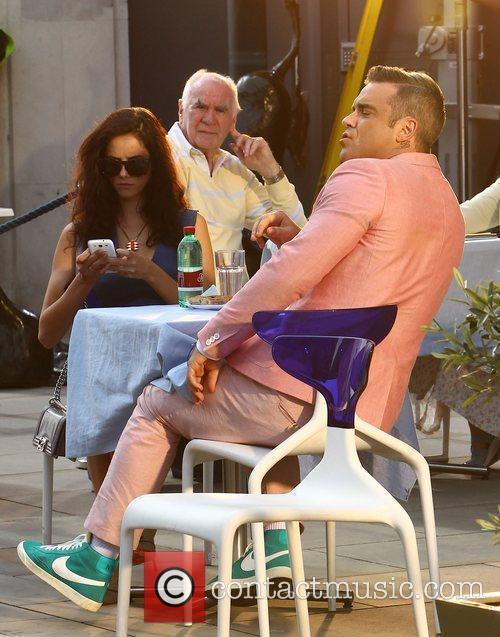 Robbie Williams and Kaya Scodelario 18