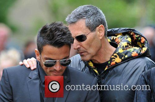Peter Andre and Uri Geller 1