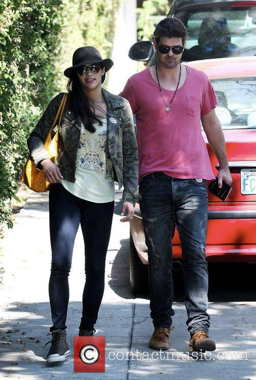 Robin Thicke and Paula Patton 15
