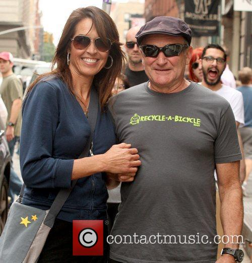 Robin Williams and Susan Schneider 7