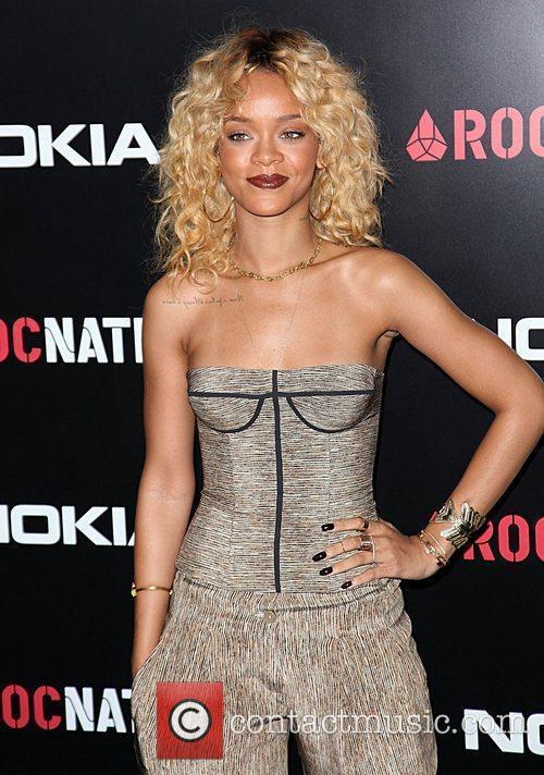 Rihanna and Grammy 4