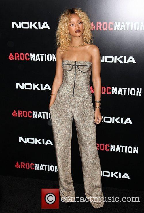 Rihanna and Grammy 5