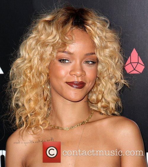 Rihanna and Grammy 8