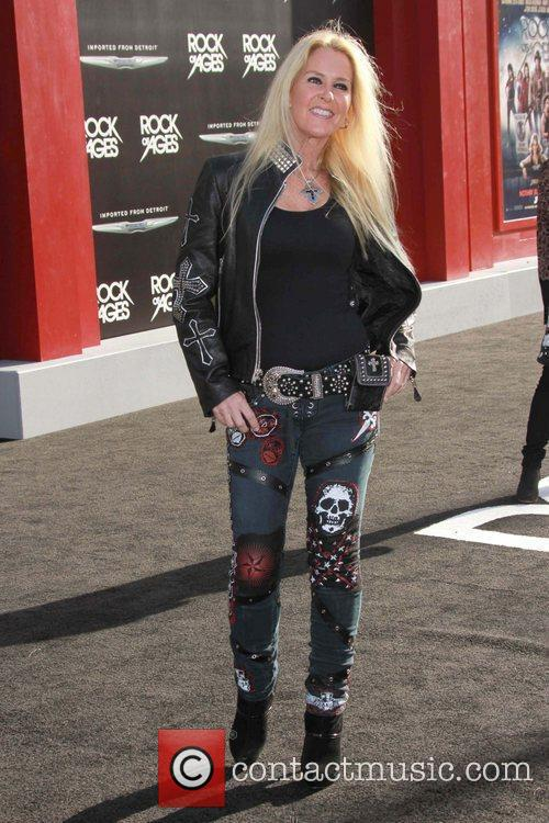 Lita Ford and Grauman's Chinese Theatre 4