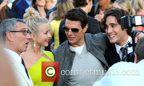 Adam Shankman, Diego Boneta, Julianne Hough and Tom Cruise 2