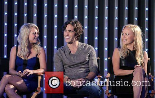 Julianne Hough, Diego Boneta and Malin Akerman 7