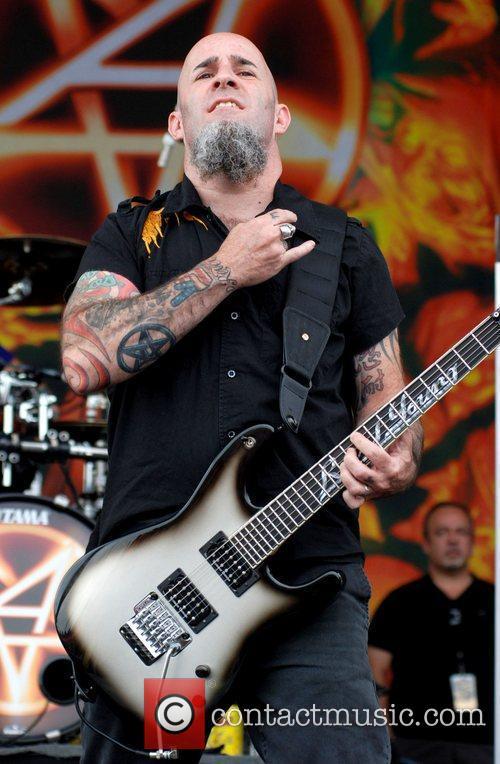 anthrax performing at rockstar energy drink mayhem 4001245