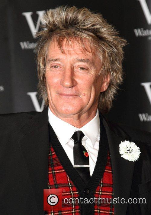 Rod Stewart Signs, The Autobiography, Waterstones Piccadilly. London and England 4