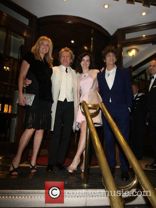 Penny Lancaster, Rod Stewart, Sally Humphrey and Ronnie Wood 3