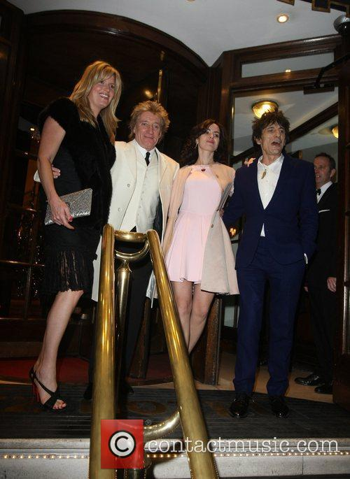 Penny Lancaster, Rod Stewart, Sally Humphrey and Ronnie Wood 1