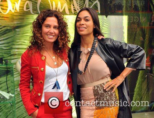 Tara Smith and Rosario Dawson 11