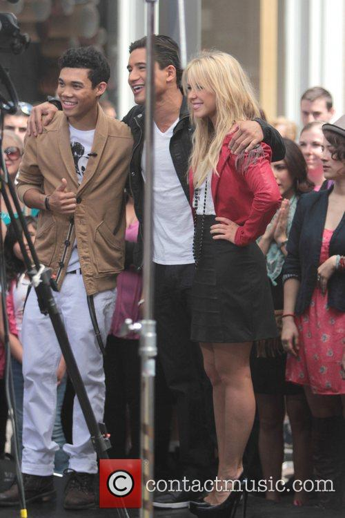 Roshon Fegan and Chelsie Hightower 3