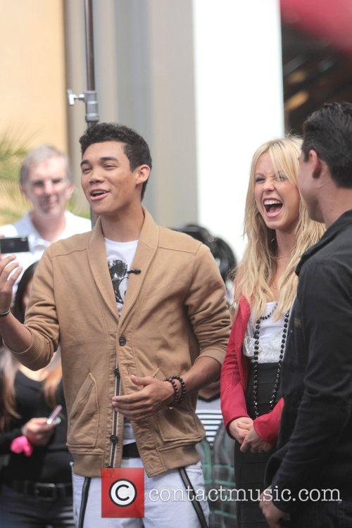 Roshon Fegan and Chelsie Hightower 5