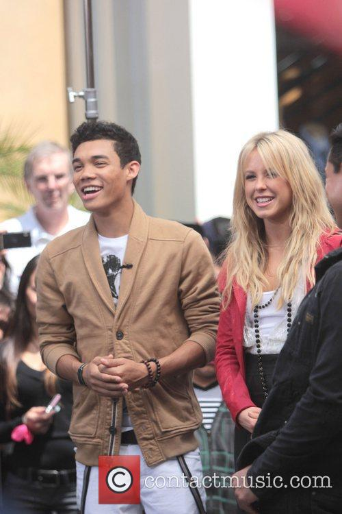 Roshon Fegan and Chelsie Hightower 6