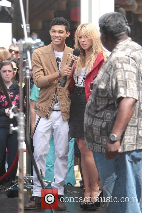 Roshon Fegan and Chelsie Hightower 11