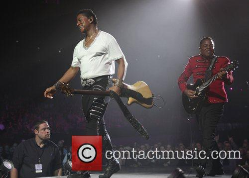 Jermaine Jackson and Tito Jackson 2