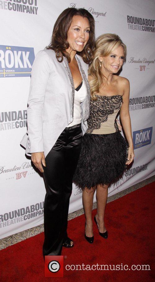 Vanessa Williams and Kristin Chenoweth 1