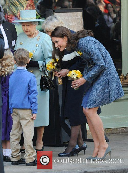 Queen Elizabeth Ii, Duchess and Kate Middleton 8