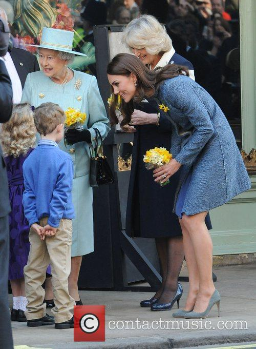Queen Elizabeth Ii, Duchess and Kate Middleton 9