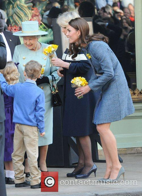Queen Elizabeth Ii, Duchess and Kate Middleton 10