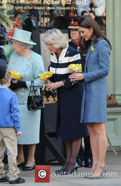 Queen Elizabeth Ii, Duchess and Kate Middleton 11