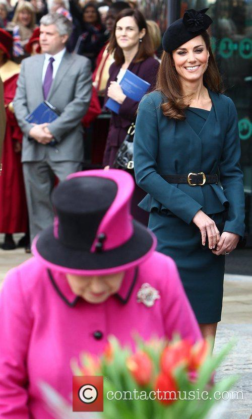 Queen Elizabeth Ii, Duchess and Kate Middleton 2
