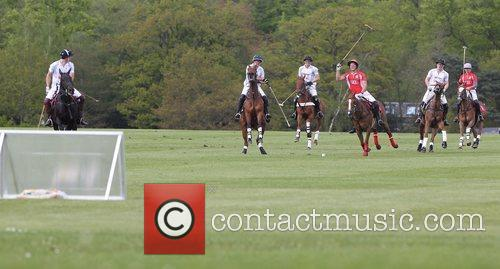 prince harry of wales r playing polo 5840558