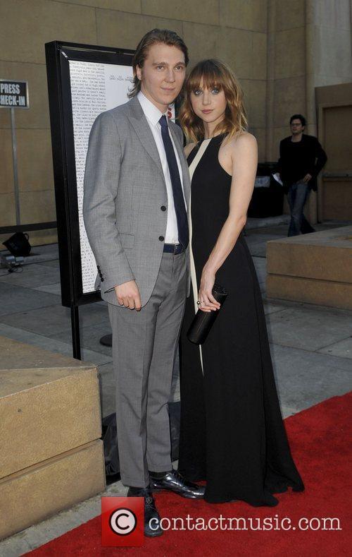 Paul Dano and Zoe Kazan 4