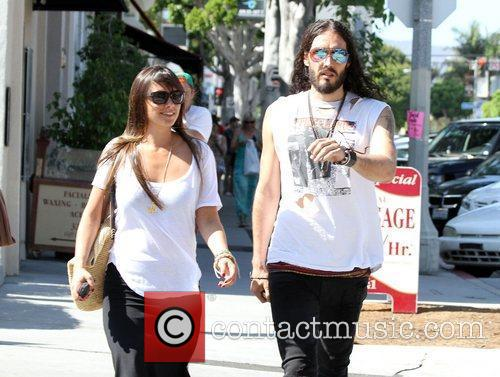 Russell Brand, Dallas and Jordana Brewster 3