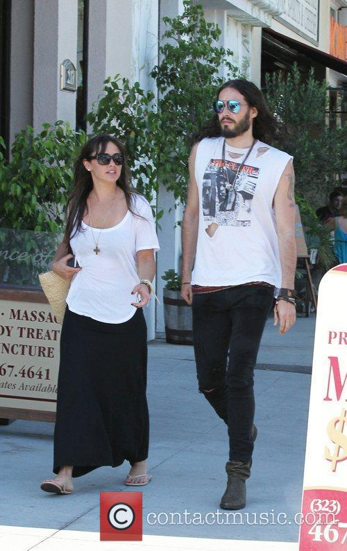 Russell Brand, Dallas and Jordana Brewster 5
