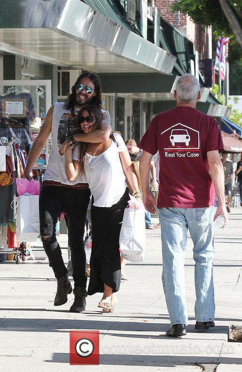 Russell Brand, Dallas and Jordana Brewster 8