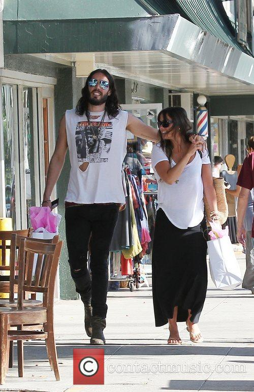 Russell Brand, Dallas and Jordana Brewster 9