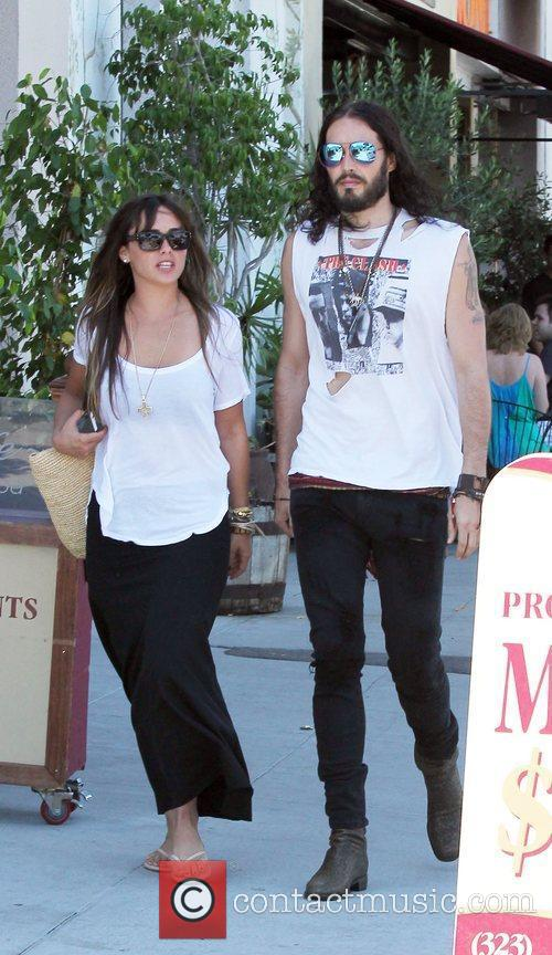 Russell Brand, Dallas and Jordana Brewster 12