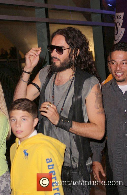 russell brand leaving the staples center after 4154193