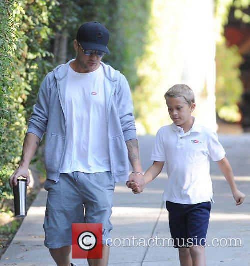 Ryan Phillippe and Deacon 10