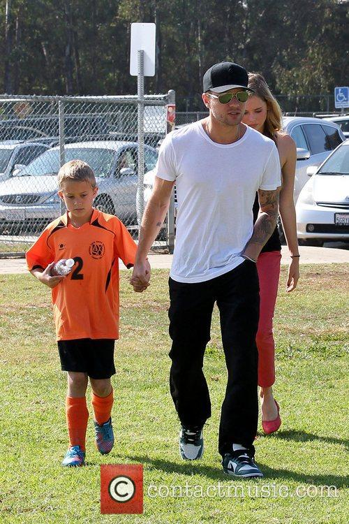 Deacon Phillippe, Paulina Slagter and Ryan Phillippe 9