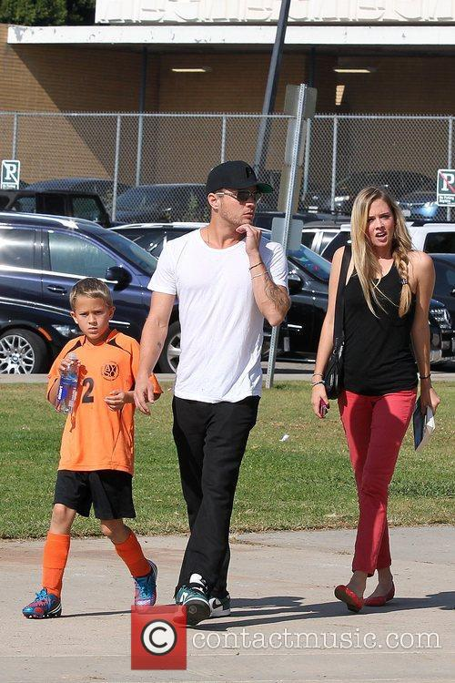 Deacon Phillippe, Paulina Slagter and Ryan Phillippe 6
