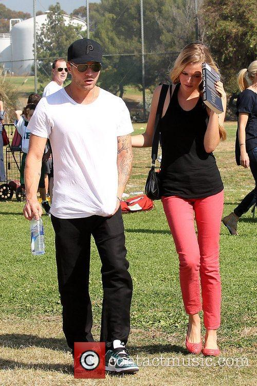 Ryan Phillippe and Paulina Slagter 11