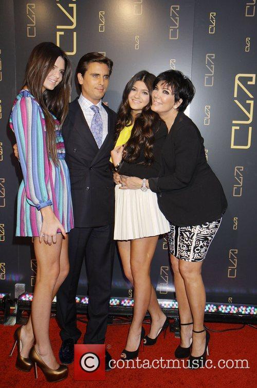 Kylie Jenner, Kendall Jenner, Kris Jenner and Scott Disick 2