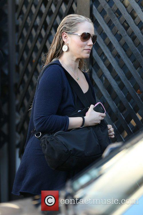 elizabeth berkley celebrities seen exiting salon benjamin 5941179