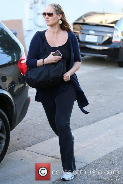 elizabeth berkley celebrities seen exiting salon benjamin 5941180