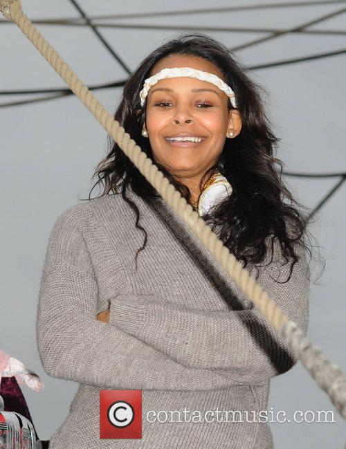 Samantha Mumba promptly removed her engagement ring when...