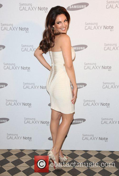 kelly brook samsung celebrate the launch of 4034703