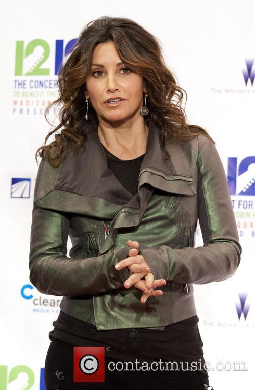 Gina Gershon 7