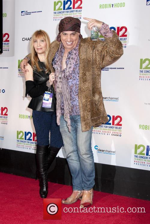 Steve Van Zandt 12-12-12 Concert Benefiting The Robin...