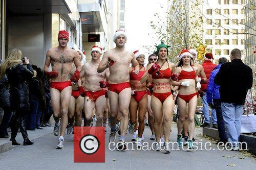 7th Annual Toronto Santa Speedo Run in the...