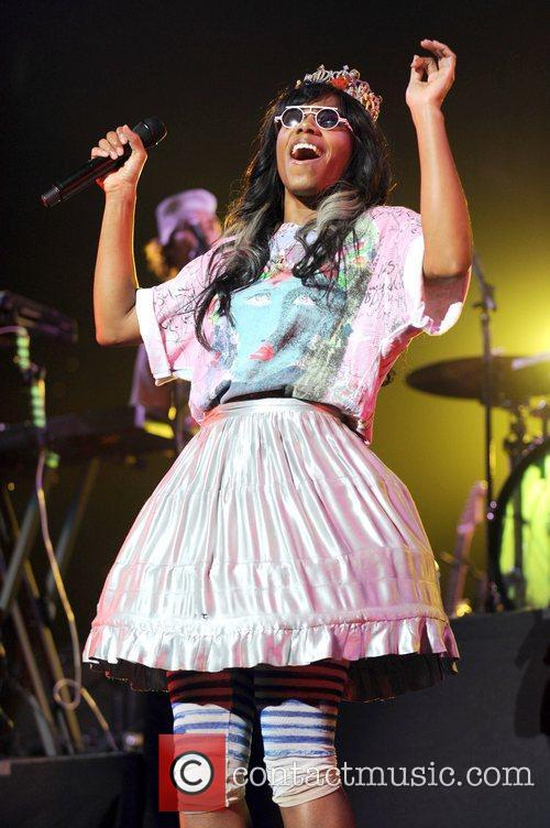 Santigold and Red Hot Chili Peppers 13