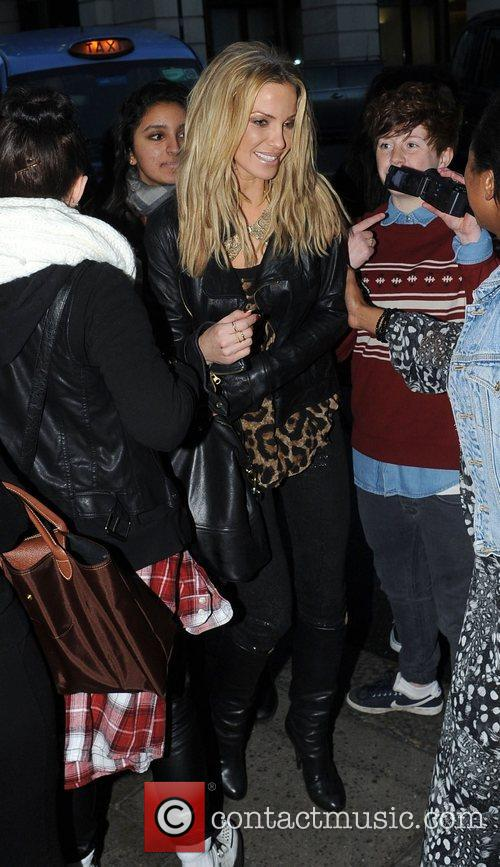 sarah harding surrounded by fans at the 4168725