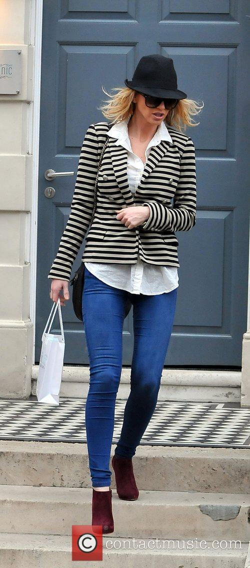 Sarah Harding leaving the Cadogan clinic in London...
